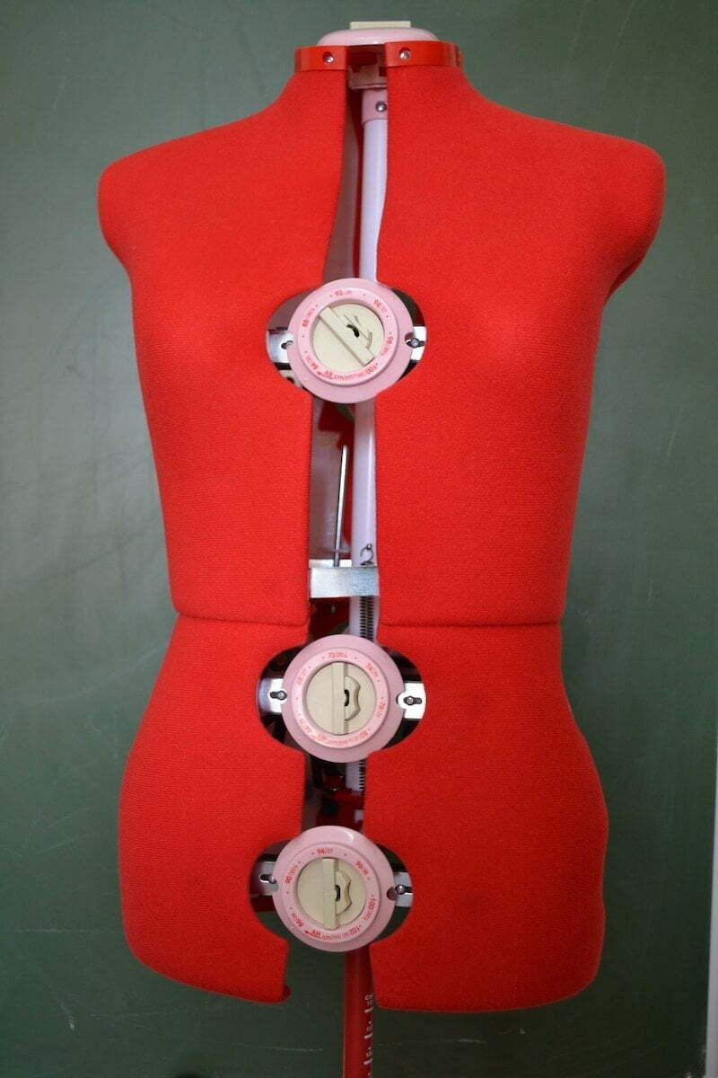 Adjustable dressmakers mannequin