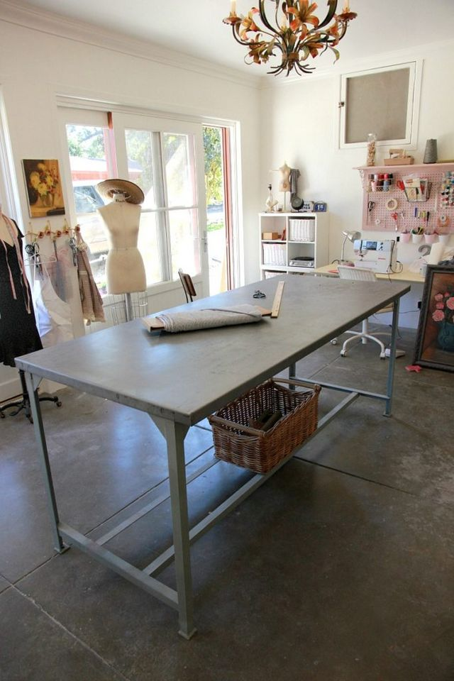 Professional sewing cutting table