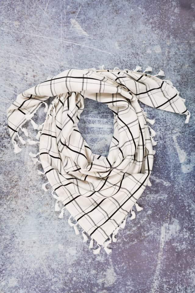 DIY triangle scarf