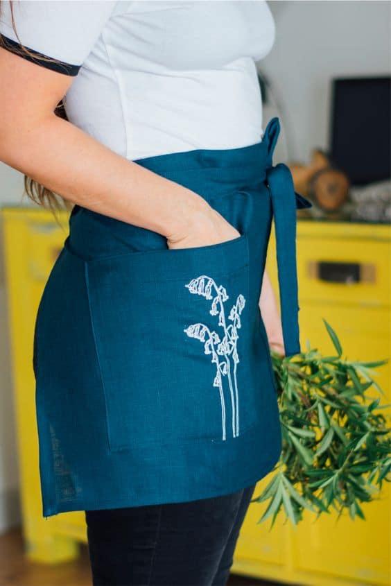 Free bistro apron pattern