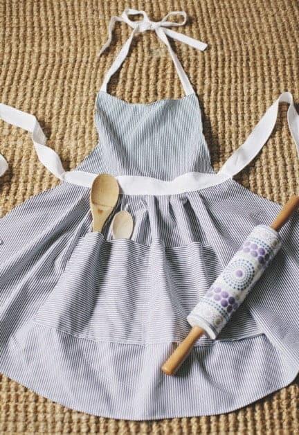Hostess apron sewing pattern