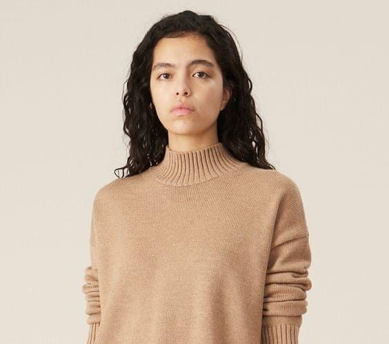 Mock turtle neck wool knit sweater