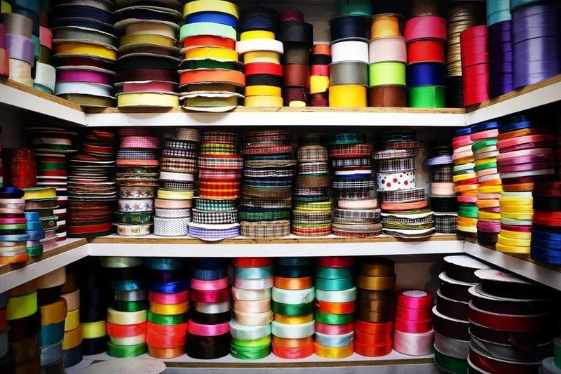 Assorted color thread roll